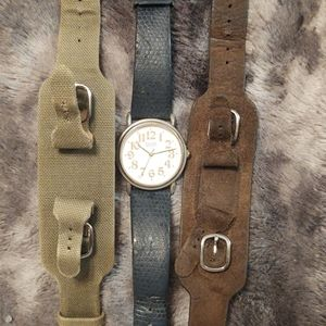 1989 vtg. GUESS watch and 2 leather bands